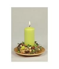 Aranžmán so zelenou valcovou sviečkou